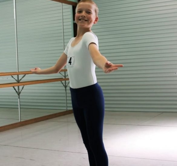 Grade 4 - Classical Ballet Classes from 10 years